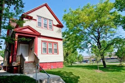 Milwaukee County Single Family Home For Sale: 1639 N 14th St
