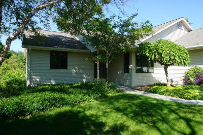 Sheboygan Single Family Home For Sale: 1947 Waverly Ct