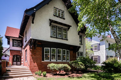 Milwaukee Single Family Home For Sale: 3019 N Summit Ave