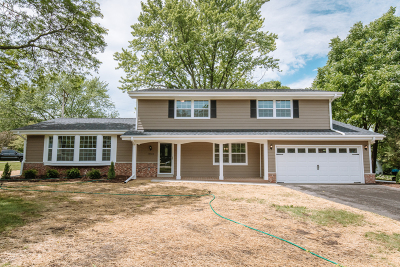 Brookfield Single Family Home For Sale: 17700 Royalcrest Dr