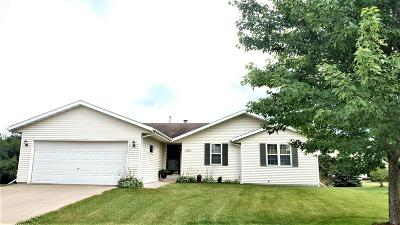 East Troy Single Family Home For Sale: 2705 Prairie Ct