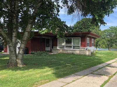Plymouth Single Family Home Active Contingent With Offer: 413 North St