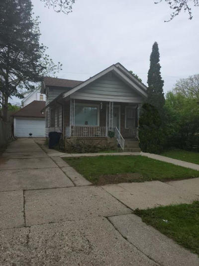 Milwaukee WI Single Family Home For Sale: $62,000