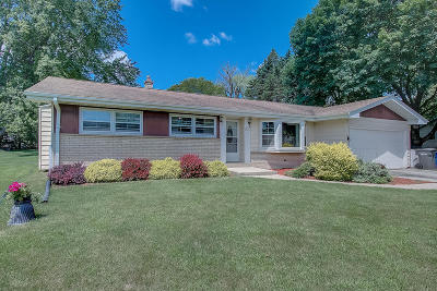 Muskego Single Family Home Active Contingent With Offer: W133s6451 Saroyan Ct