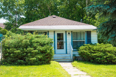Racine Single Family Home For Sale: 1309 Bluff Ave