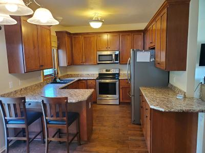 East Troy Single Family Home For Sale: 1711 Carriage Dr