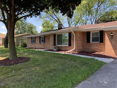 Single Family Home For Sale: 7051 N 97th St