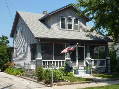 Racine Single Family Home For Sale: 2710 20th St