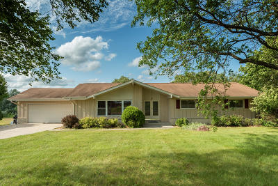 Saukville Single Family Home Active Contingent With Offer: 4525 County Road Y