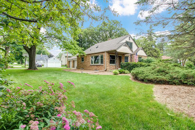 Brookfield Single Family Home For Sale: 1185 Parkmoor Dr