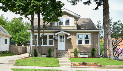 West Allis Single Family Home For Sale: 2167 S 92nd St