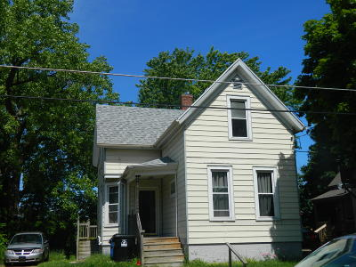 Racine Single Family Home For Sale: 408 Cliff Ave