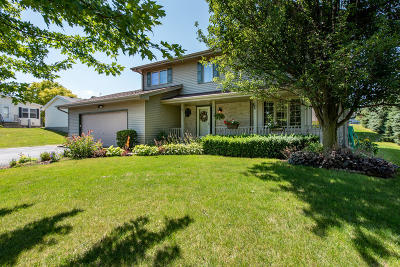 Pleasant Prairie WI Single Family Home For Sale: $324,900