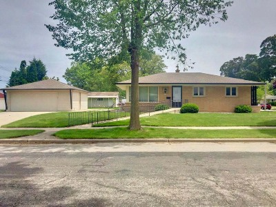 Single Family Home For Sale: 3430 S 91st