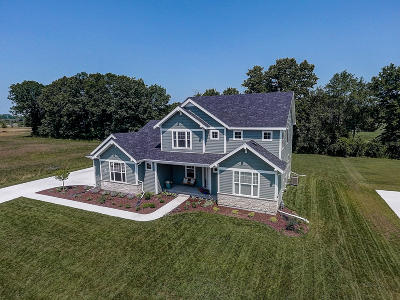 Menomonee Falls Single Family Home Active Contingent With Offer: N61w21496 Legacy Trl