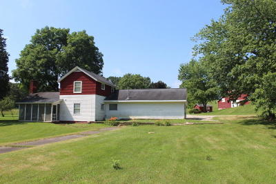 Mukwonago Single Family Home For Sale: W344s10797 Cty Hwy E