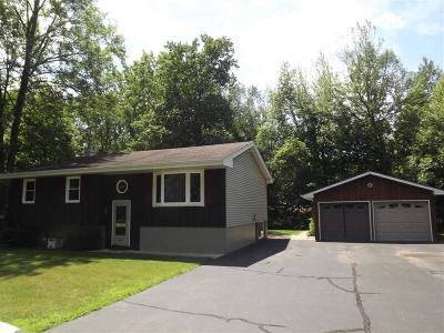 Menominee Single Family Home For Sale: N1391 River Rd