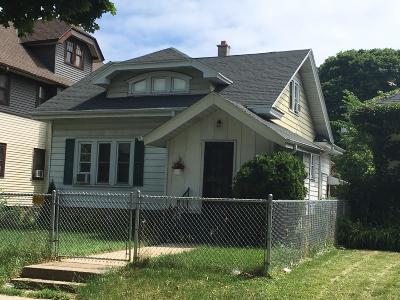 Milwaukee Single Family Home For Sale: 2454 N 49th St