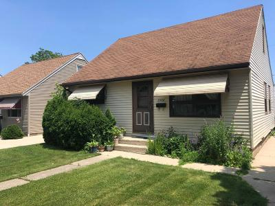 Milwaukee Single Family Home For Sale: 2538 S 70th St