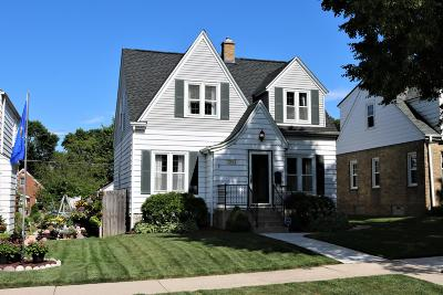 Milwaukee Single Family Home For Sale: 2916 S 48th St