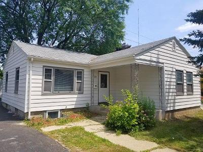 Milwaukee Single Family Home For Sale: 5328 W Dexter Ave