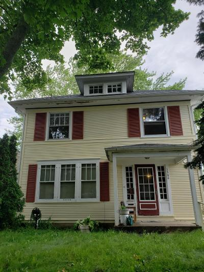 Racine Single Family Home For Sale: 1300 Orchard