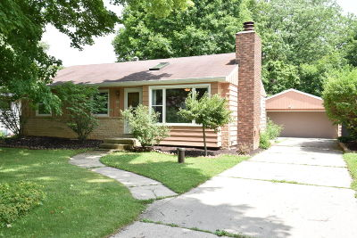 Hales Corners Single Family Home Active Contingent With Offer: 5412 S 114th St