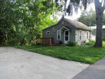 Genoa City Single Family Home For Sale: 1201 County Rd H #B14