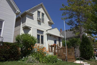 Milwaukee Single Family Home For Sale: 324 E Burdick Ave #328