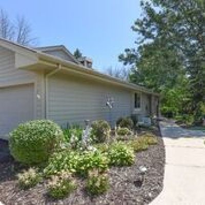 Greenfield Condo/Townhouse Active Contingent With Offer: 4920 S Imperial Cir