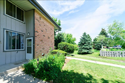 Waukesha Condo/Townhouse For Sale: 1436 Big Bend Rd #J