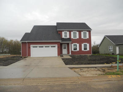 Elkhorn WI Single Family Home For Sale: $265,900