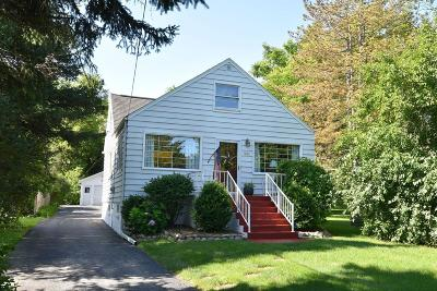Brown Deer WI Single Family Home For Sale: $169,900