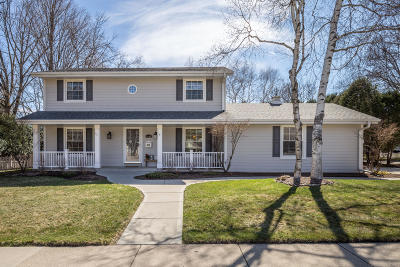Cedarburg Single Family Home Active Contingent With Offer: N85w6145 Willowbrooke Dr
