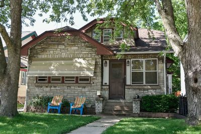 West Allis Single Family Home For Sale: 8618 W Lapham St
