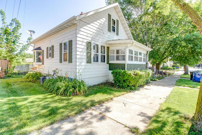 Racine Single Family Home For Sale: 1410 Wolff St