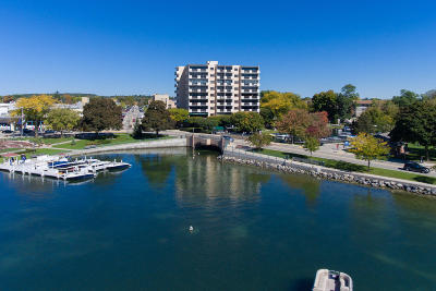 Lake Geneva Condo/Townhouse For Sale: 101 Broad St #803