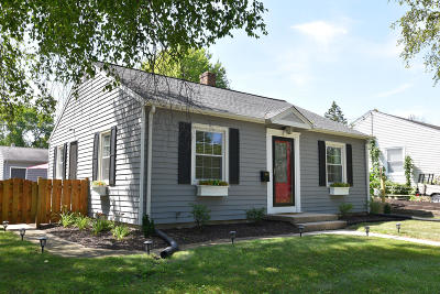 Cedarburg Single Family Home Active Contingent With Offer: W62n369 Hanover Ave