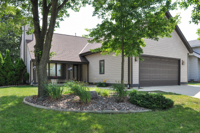 Milwaukee Single Family Home For Sale: 5750 S 14th St