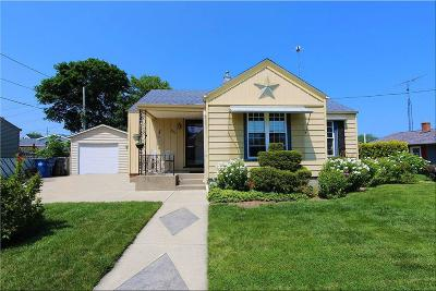 Racine Single Family Home For Sale: 2304 Lawn St