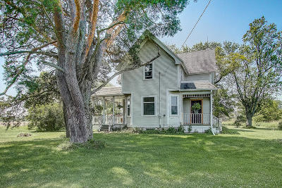 West Bend Single Family Home For Sale: 8939 County Rd Xx
