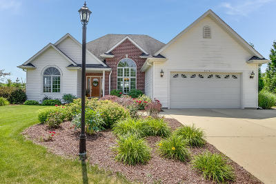 Pleasant Prairie Single Family Home Active Contingent With Offer: 8315 West Ridge Dr