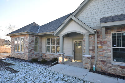 Menomonee Falls Condo/Townhouse For Sale: N73w13615 Claas Rd #Unit 11