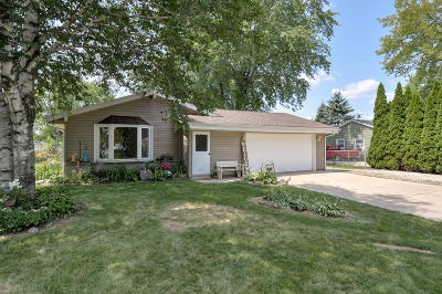 Racine Single Family Home Active Contingent With Offer: 7030 Lamberton Rd