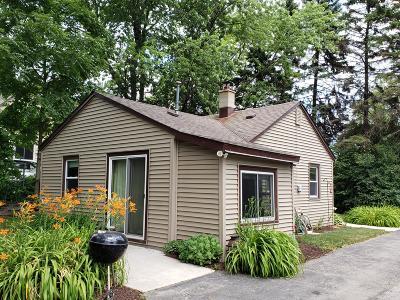 Oak Creek Single Family Home For Sale: 7149 S Pennsylvania Ave