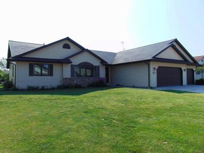 Sheboygan Falls Single Family Home For Sale: 134 Foxglove Ln