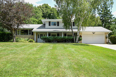 Brookfield Single Family Home For Sale: 1000 Simon Dr