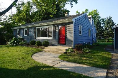 Racine County Single Family Home For Sale: 2912 Green Tree Ln