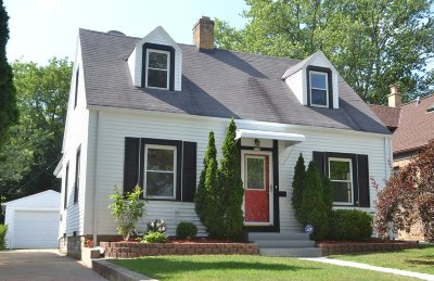 Single Family Home Active Contingent With Offer: 135 E Van Beck Ave