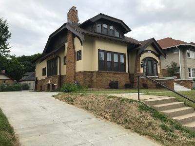 Single Family Home Active Contingent With Offer: 3011 N Sherman Blvd